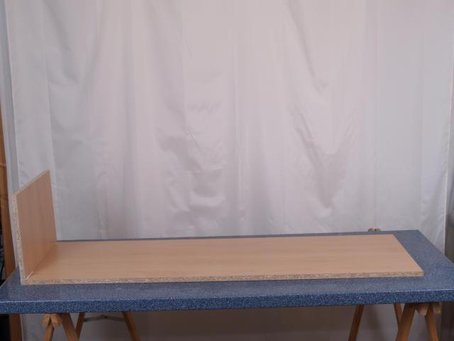 ... der einfach auf die folierte Platte gesetzt und bündig ausgerichtet wird