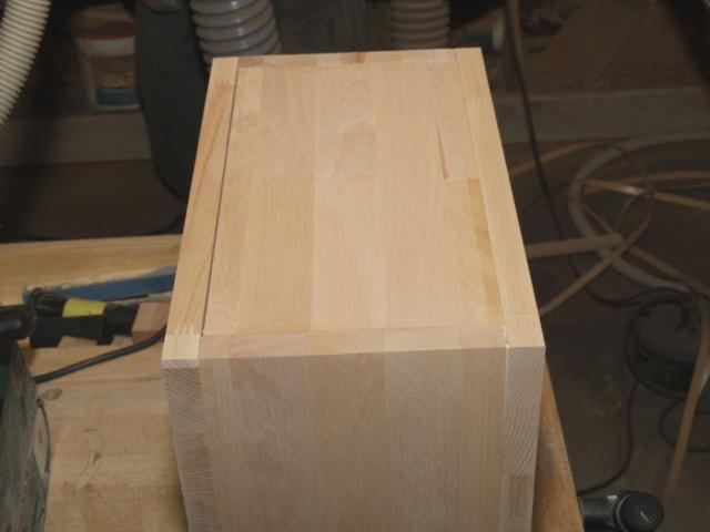 Ein paar Brettern fehlte der rechte Zusammenhalt, weil die Säge des Baumarktes leider nur millimetergenau arbeitet.