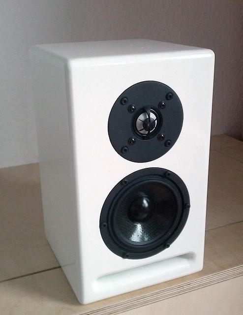 symphony 4 lautsprecher selber bauen. Black Bedroom Furniture Sets. Home Design Ideas