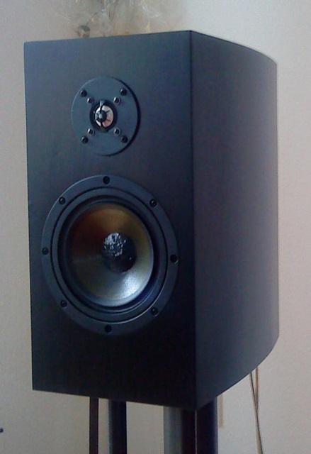 thema duetta center als standbox lautsprecher selber bauen. Black Bedroom Furniture Sets. Home Design Ideas