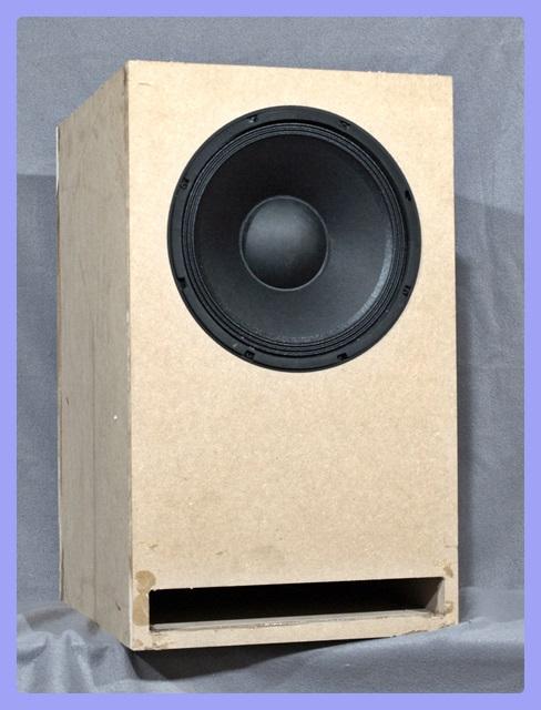 zwei subwoofer punch gegen tiefe lautsprecher selber bauen. Black Bedroom Furniture Sets. Home Design Ideas