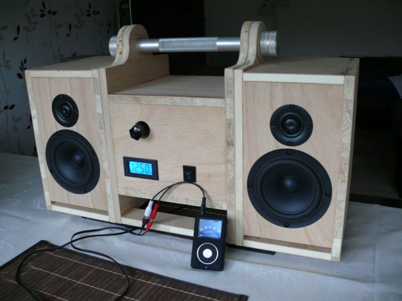 tragbare bluesklasse oder ghettoblaster mit bluetooth lautsprecher selber bauen. Black Bedroom Furniture Sets. Home Design Ideas