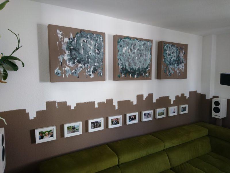 Absorberbilder an Wand